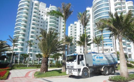 Transporte e abastecimento de água potável para condominios