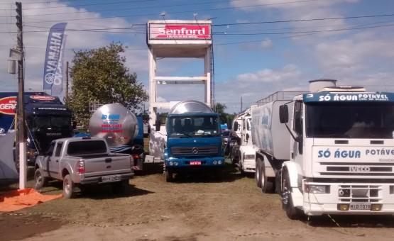 Caminhão pipa de água potável para evento